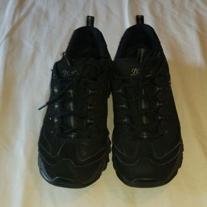 SKECHERS BLACK D-LITES